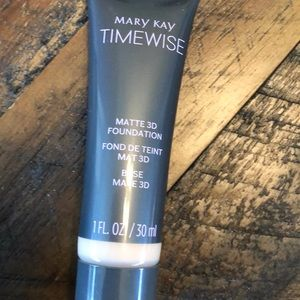 Mary Kay Matte Foundation Tester